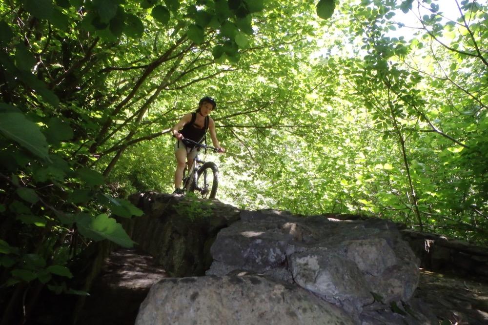 VTT randonnée sportive montagnes et garrigues